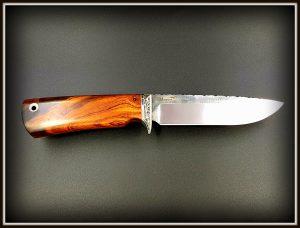 Medzioklinis peilis 422 (6) Medžiokliniai peiliai, peiliai medžioklei, rankų darbo peiliai, peilis medžiotojui, peilių gamyba, išskirtiniai peiliai, dovana vyrui, verslo dovanos, kokybiški peiliai