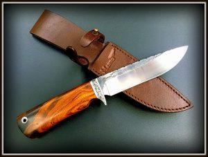 Medzioklinis peilis 422 (7) Medžiokliniai peiliai, peiliai medžioklei, rankų darbo peiliai, peilis medžiotojui, peilių gamyba, išskirtiniai peiliai, dovana vyrui, verslo dovanos, kokybiški peiliai