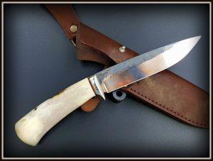 Medzioklinis peilis 424 (3) Medžiokliniai peiliai, peiliai medžioklei, rankų darbo peiliai, peilis medžiotojui, peilių gamyba, išskirtiniai peiliai, dovana vyrui, verslo dovanos, kokybiški peiliai