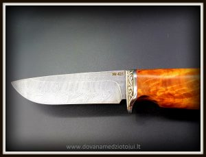 Medzioklinis peilis 425 (1) Medžiokliniai peiliai, peiliai medžioklei, rankų darbo peiliai, peilis medžiotojui, peilių gamyba, išskirtiniai peiliai, dovana vyrui, verslo dovanos, kokybiški peiliai